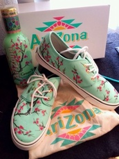 shoes,arizona,vans,sneakers,arizona tea,t-shirt,dope,bomb,pink,cherry blossom,floral