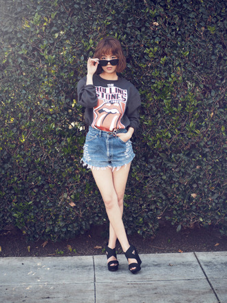 jullianne blogger sweater ripped shorts denim shorts black heels the rolling stones band merch
