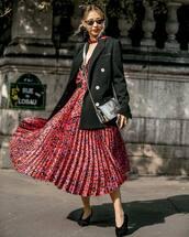 dress,midi dress,v neck dress,leopard print,belted dress,pumps,blazer,black blazer,sunglasses,earrings,crossbody bag