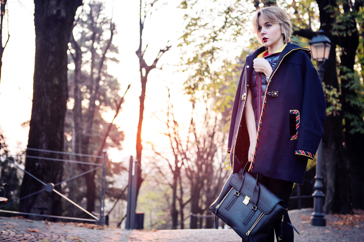FAY: DUFFLE COAT ON THE SUNSET | TheCabLookTheCabLook