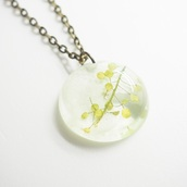 jewels,summer summer handcraft,necklace,handmade,flowers,floral,cute,real flowers,handmade necklace,bestfriend necklace,floral jewelry