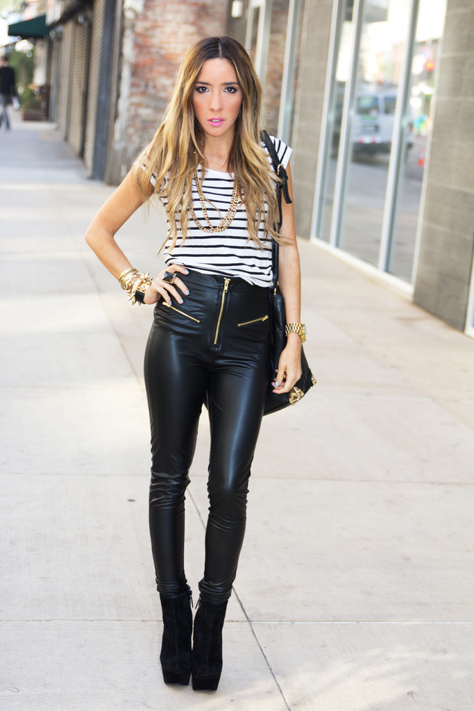 Highwaisted leather pants with zipper