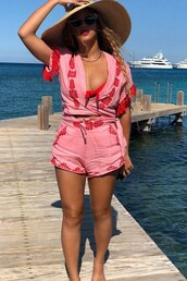 top,summer outfits,summer shorts,summer top,pink,beyonce,instagram,celebrity