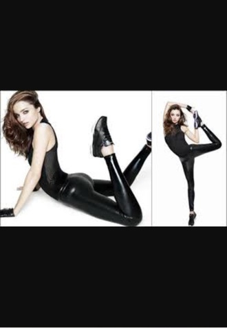 shoes black patent as shown on pic shirt leggings