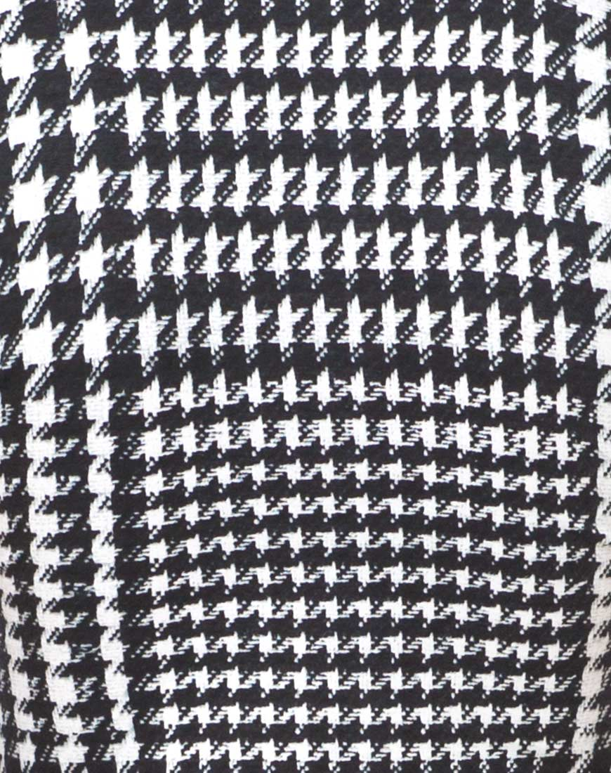 Motel mindy turtleneck crop in hounds tooth black and white