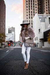 maria vizuete,mia mia mine,blogger,coat,sweater,shoes,bag,sunglasses,pumps,white pants,faux fur jacket,fall outfits