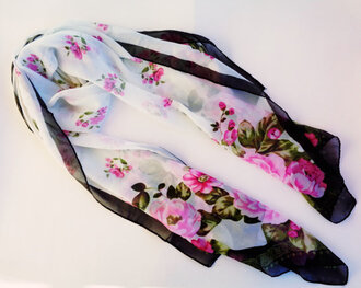 scarf woman floral roses