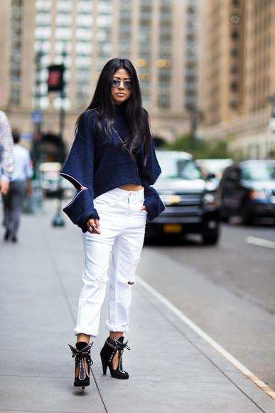 walk in wonderland blogger jeans bag