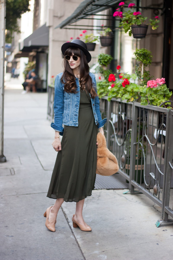 jeans and a teacup blogger dress shoes bag hat jewels sunglasses denim jacket furry bag midi dress green dress