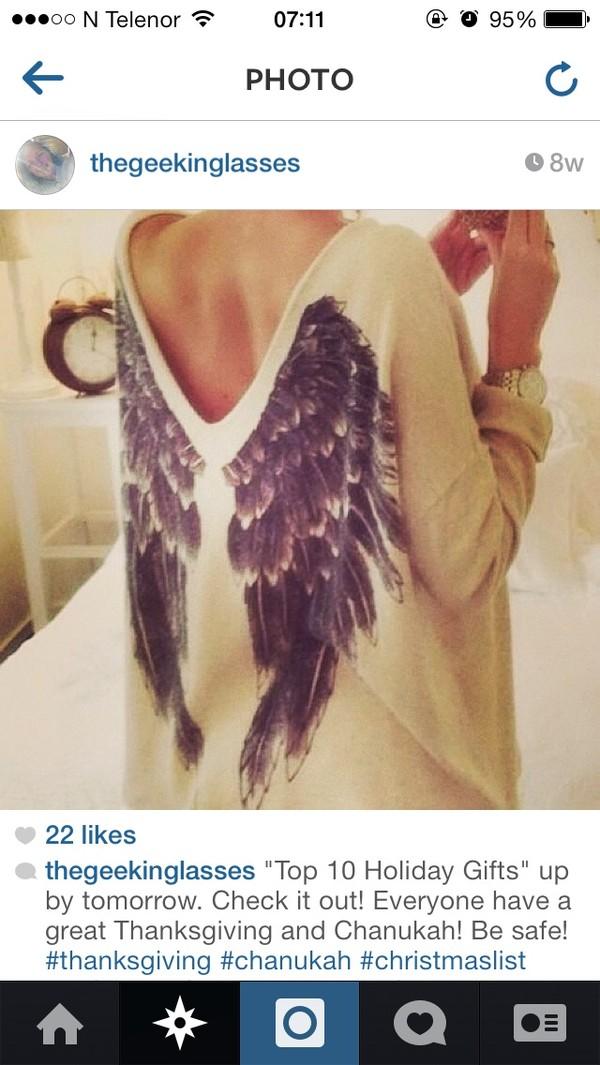 Кофта с крыльями