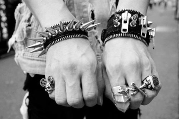jewels spikes studs usa black white accessories hand ring knuckle ring dead grunge mickey mouse grunge punk rock