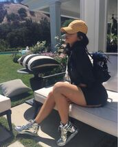 shoes,kylie jenner,backpack,bag,cap,rumper,sneakers,summer outfits,summer,instagram