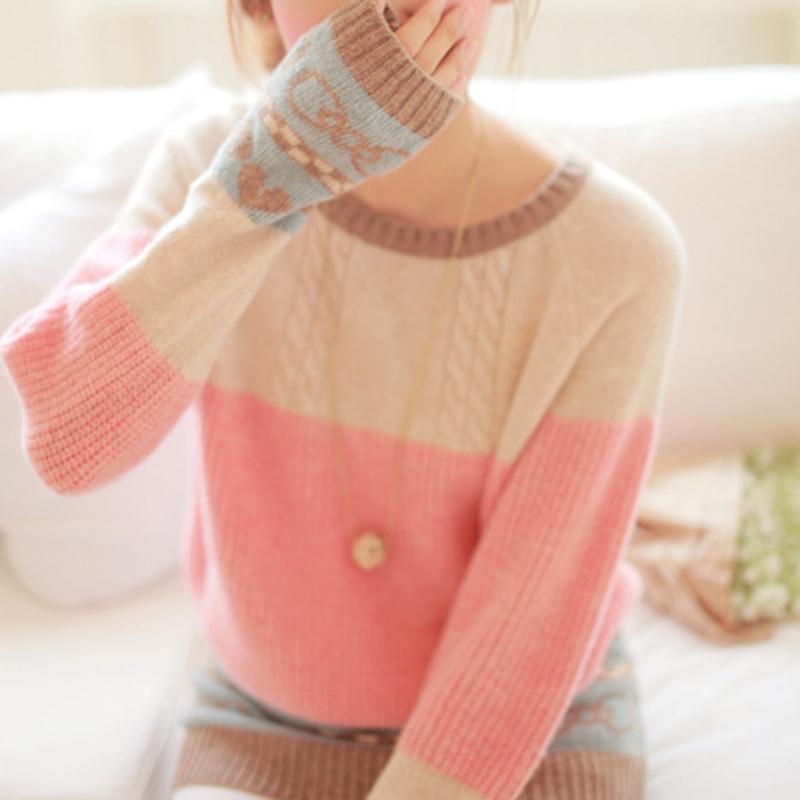 Doce estilo bonito das mulheres coração quente e arco impressas camisola de malha contato cor do estilo coreano camisola WZM183 frete grátis em Pulôvers de Roupas & acessórios no AliExpress.com