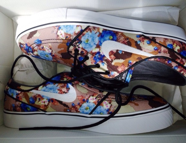 shoes nike floral flowers swoosh white trainers