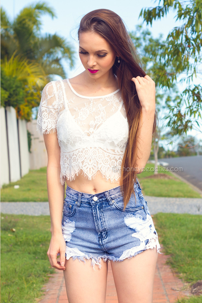Summer days lace crop top – honey peaches