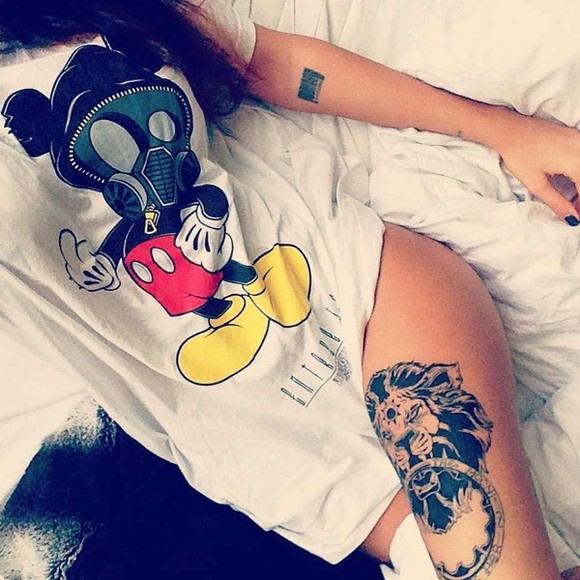 shirt mickey mouse t-shirt white tshirt white tee t-shirt basic t-shirt lady vamp gas mask white