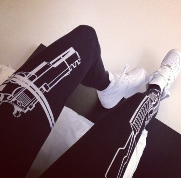 leggings gun fitness black white