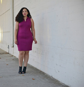 girl with curves,blogger,jewels,bodycon dress,curvy,peep toe boots,plus size dress,purple dress,purple,peep toe heels,sleeveless,sleeveless dress,plus size