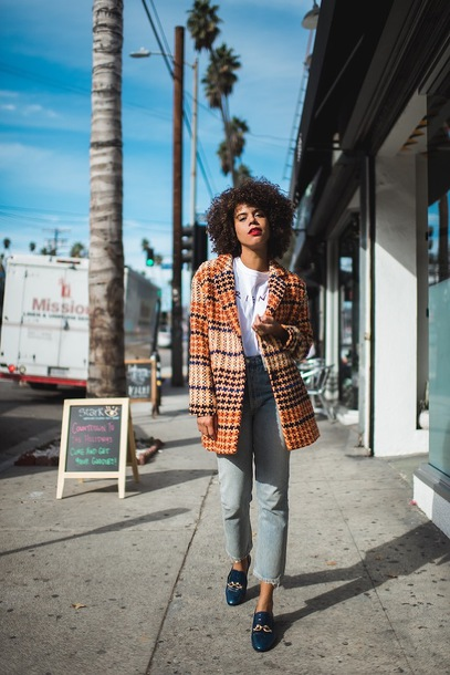 coat tumblr orange orange coat plaid plaid coat t-shirt white t-shirt denim jeans blue jeans shoes blue shoes glitterguide blogger skirt sweater tights