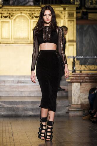 top skirt midi skirt bodycon black dress all black everything sandals runway london fashion week 2016 fashion week 2016 crop tops julien macdonald