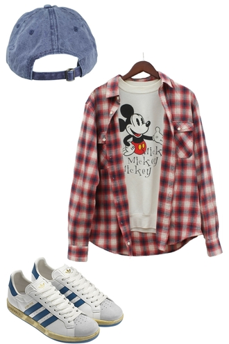 sweater mickey mouse disney blogger hipster justvu.com mens sweater mens shirt winter sweater winter outfits retro sweater weather 00s flannel