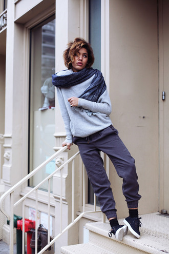 trop rouge blogger scarf grey sweater sweatpants boyish unisex sweater pants shoes gender neutral no gender equality