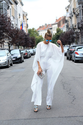 from brussels with love blogger jumpsuit shoes bag white jumpsuit clutch sandals