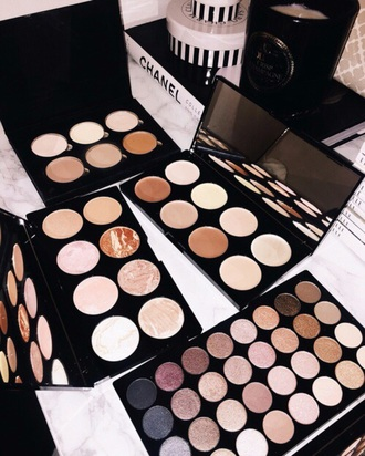 make-up makeup palette makeup brushes makeup bag makeup table make up palette eyeshadow palette makeup palettes palettes colorful pink marble black eye makeup eyeliner eyes shimmer sparkle glitter eye shadow contour contouring
