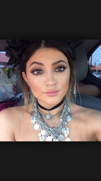 jewels kylie jenner necklace