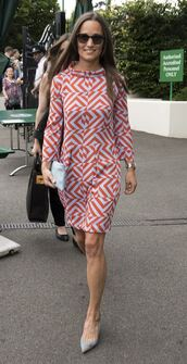 dress,geometric,printed dress,print,pippa middleton,long sleeve dress,pumps