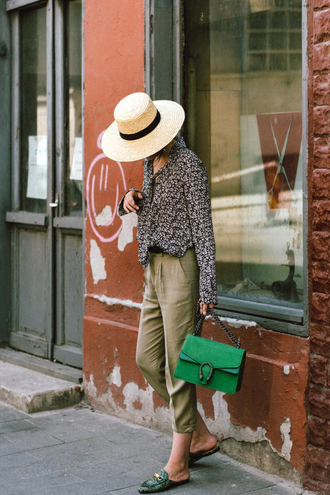 shirt printed shirt hat tumblr pants khaki khaki pants shoes slide shoes mules bag green bag sun hat