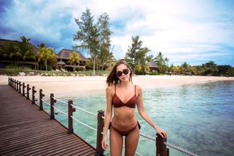 kenza blogger swimwear sunglasses
