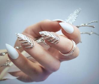 nail polish holiday nail art christmas holiday season holidays nail art nail accessories nail art acrylic nails metallic nails