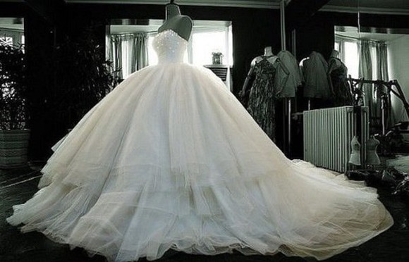 white dress wedding dress wedding clothes big amazing dress weddingdress weddingdresses