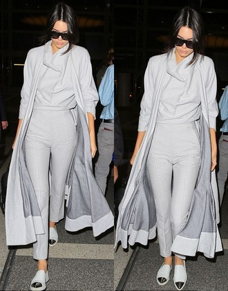 coat sweater grey fall outfits fall sweater fall coat flats kendall jenner shoes pants top