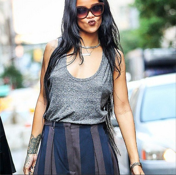 shirt tank top grey top grey top t-shirt rihanna rihanna style Rihanna rihanna grey tops sleeveless sleeveless shirt sleeveless tank shirt mens t-shirt tanktop. famous