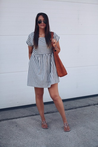fashionably kay blogger dress shoes jewels bag summer dress striped dress sandals mini dress