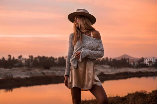 lisa olsson blogger dress sweater hat