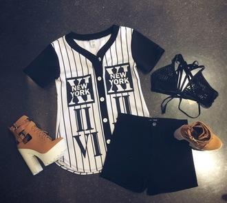shirt black and white baseball teee tan shoes black shorts