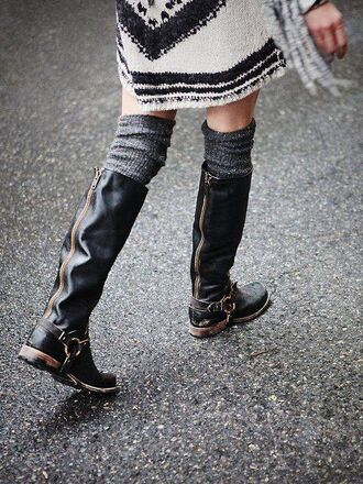 shoes black leather boots black shoes winter wellington zip dark shoes black grunge flat street streetstyle streetwear knee high boots knee length knee high socks chunky high heeled ankle boots chelsea boots