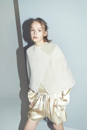 top,white top,shorts,gold shorts,gold top,cape,white cape