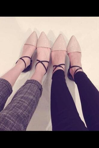 shoes blackandbeige strappy twotoned twotonedshoes twotonedflats beige black flats pointyflats strappy flats black and beige two-toned pointy toe shoes strappy shoes