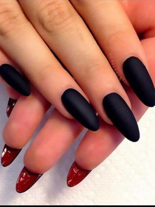 Миндалевидные ногти матовые