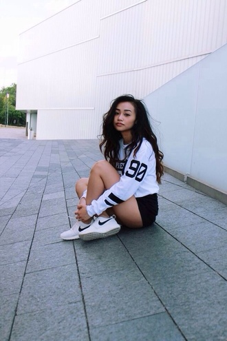 shoes nike tumblr clothes tennis shoes tumblr shoes soft ghetto shirt jersey tee shirt white tees nike shoes black high waisted shorts jacket sweater white white sweater pretty swag style white dress shorts blouse sneakers
