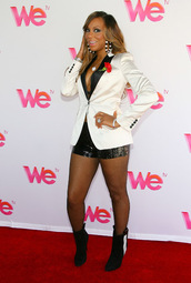 jacket,tuxedo blazer,blazer,boyfriend blazer,white,black,black and white,celebrity,swag,hot,heels,Sequin shorts,tamar braxton