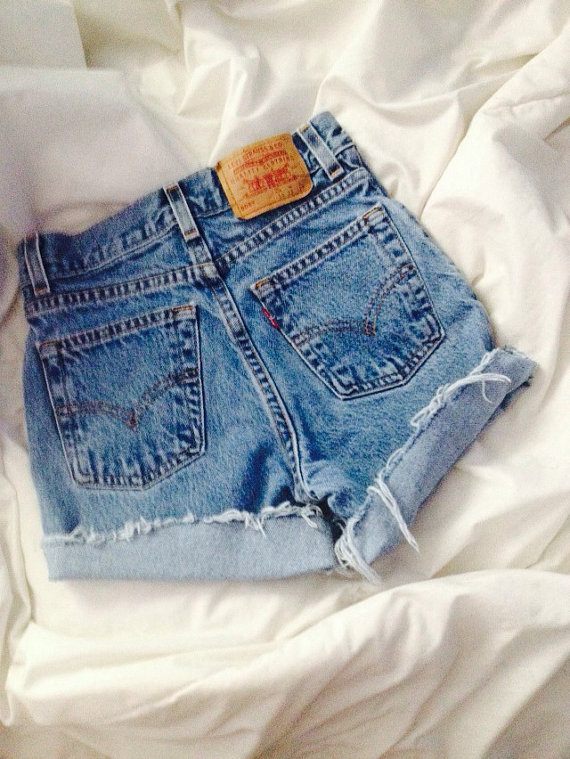 Levi brand high waisted shorts mid wash