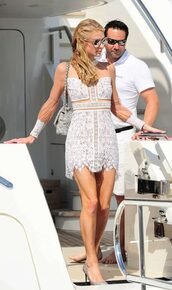 dress,cannes,paris hilton,lace dress,mini dress,white,white dress,white lace dress,pumps,sunglasses,shoes