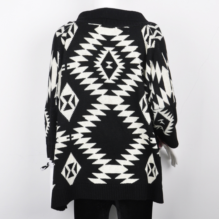 Throw on this Women's Fringe Aztec Sweater Poncho to stay warm in style. Its unique print decorates the front, and the fringe adds an additional stylish accent/5(89).