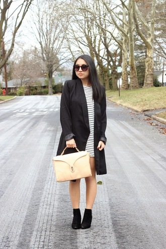 looks by lau blogger striped dress black coat satchel bag