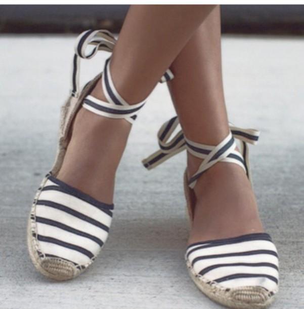 f4b637e1ccade9 shoes girly girl girly wishlist stripes espadrilles white black black and  white flat sandals